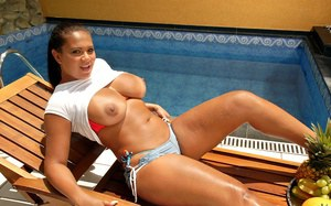 Hot big tits brazilan babe gets her amazing pussy drilled by the baech after snacking