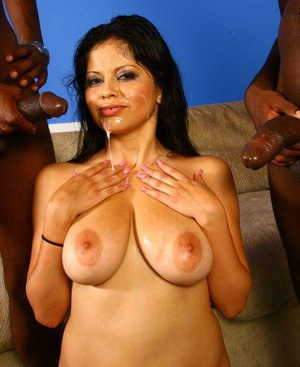 Young latina in interracial threesome cumeating